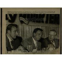 1971 Press PhotoMoe Drabowsky Pitcher Quaterback Club - RRW04397