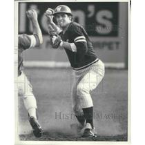 1982 Press Photo Washington State Baseball Baseman, Don Long, Throws the Ball.