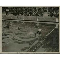 1936 Press Photo Japanese soldier practice swimming at Toyama Academy