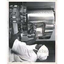 1961 Press Photo Mother Milk Bank Health Board - RRX95733