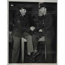 1940 Press Photo Karl Seidel Congratulates J.E. Sherry on Lieutenant Commission