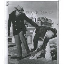 1961 Press Photo Check Radiation Blast Scene Shoes Show - RRX89165