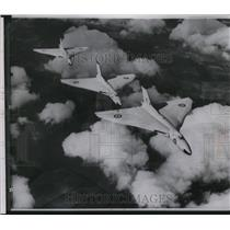 1957 Press Photo Three British aviation fighter planes - spw11451