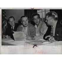 1945 Press Photo Labor Unions Officials Chicago - RRW93095