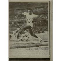 1971 Press Photo Cuban Pedro Peren Triple Jump - RRW22131
