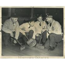 1955 Press Photo Royal Caledonian Curling Club Member - RRW54323