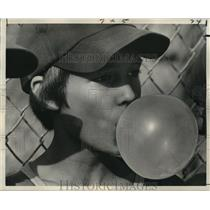 1975 Press Photo Young Baseball Player Blows Bubble with Chewing Gum