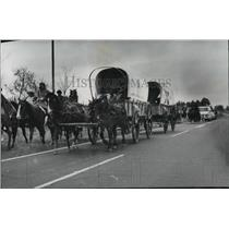 1976 Press Photo Alabama-American Bicentennial Wagon Train treks across Alabama.