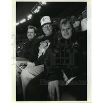 1991 Press Photo Jim Barient and Family at New Orleans Saint's Football Game