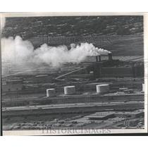 1970 Press Photo Air Pollution/Sanitary District Plant