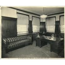 1923 Press Photo First Wisconsin National Bank President Oliver C. Fuller Office