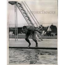 1965 Press Photo Quick Tom Chamberlin Holder Denver - RRW11593