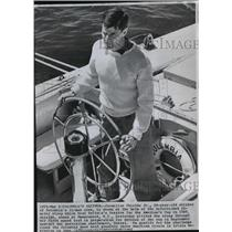 1962 Press Photo Cornelius Shields Junior at helm of sail racing sloop, Columbia