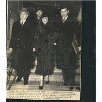 1936 Press Photo Gloria Morgan Vanderbilt Switzerland - RRX89419