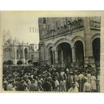1933 Press Photo President Grau San Martin addresses crowd in front of Palace