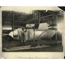 1929 Press Photo Pilot Francesco De Pinedo & Partially Assembled Santa Maria II