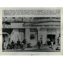 1977 Press Photo Hostages taken at Subic Bay - RRX63707