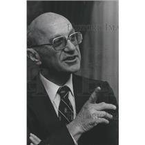 1976 Press Photo Economist and United States Nobel Prize Winner, Milton Friedman