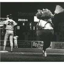 "1981 Press Photo Alabama-Birmingham Barons' mascot, ""Wicky Wood"" heads to dugout"