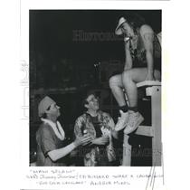 1990 Press Photo Johnny Johnson, Ed Blizzard, Red Cross Lifeguard Andrea Mikel