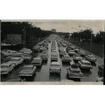 1965 Press Photo motorists jam up Field Museum lanes - RRW55421