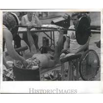 1974 Press Photo Bench press weightlifter Mark Lockyear of Evansville, Indiana