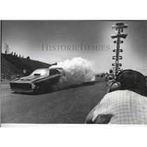 1974 Press Photo Auto Racer Parnelli Jones Does a Burnout During Time Trials