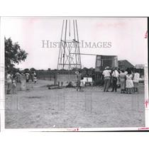"1963 Press Photo Alice Texas, ""Site of Nision' Draws a Crowd - hca04405"
