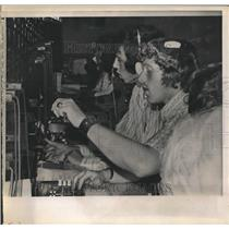 1972 Press Photo Operating switchboards at American Telephone & Telegraph Co.NYC