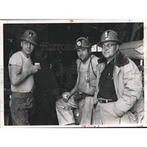 1971 Press Photo Dr. Melvin Merritt with Miners on Amchitka Island - hca04715