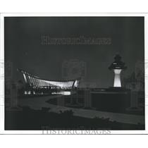 1987 Press Photo Airport at night.  -Airports - hca04840