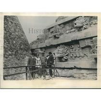 1927 Press Photo Dwight W. Morrow and others in San Juan Teotihuacan, Mexico