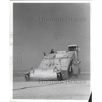 1960 Press Photo Vacuum Cleaner - RRW31671