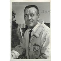 1966 Press Photo Auburn University Freshman Football Team's Cch Tom Jones