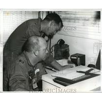 1962 Press Photo Alabama-National Guardsmen alerting pilots of NATO exercise.