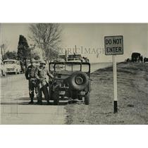 1965 Press Photo Alabama National Guardsmen observe conditions near Montgomery.