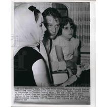 1963 Press Photo Actor Richard Burton, Elizabeth Taylor, and Daughter Lisa Todd