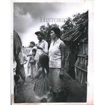 1963 Press Photo Mexican-Fortunato Salazar Family in Alazan  - hca05740