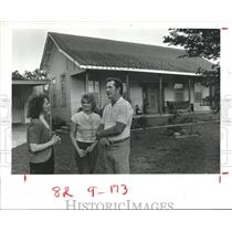 1984 Press Photo Aldine's Elizabeth Battle talks with Janice & Don Allgood, TX
