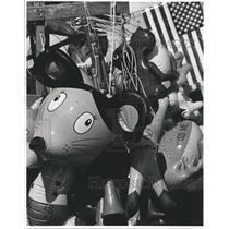 1983 Press Photo The vendors' wares at the Austin County Fair, Texas - hca06595