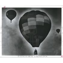 1989 Press Photo Floating skyward, Fort Bend County Balloon Festival, Texas