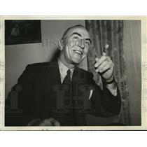 1942 Press Photo Capt. Eddie Rickenbacker at Saint Francis Hotel - sbx10322