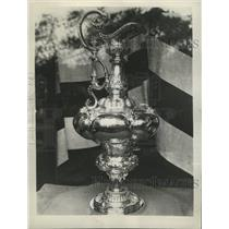 1934 Press Photo Trophy for the champion of the Endevou - RRW34303