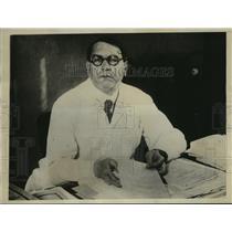 1930 Press Photo Dr. Otto Poetzl claims humans can hibernate like animals