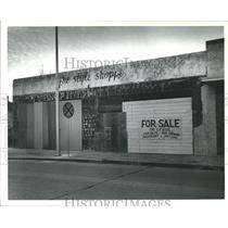 1985 Press Photo The Old Abandoned Style Shoppe For Sale or Lease, Baytown Texas