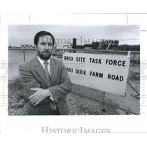 1990 Press Photo Gary Waits at the Brio Waste Stie - hca09933