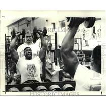 1988 Press Photo Chris Pike new Browns defensive end works  - cvb40222