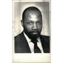 1987 Press Photo Columbus Moore,football coach - RRX40371