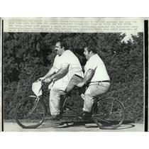 1971 Press Photo Tandem Leo Rossi Davey Rosenberg cycle - RRW00731