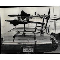 1972 Press Photo Competitors drive bicycle races Dainne - RRW05187